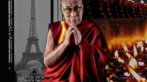 Le Dalaï-Lama répond aux questions suite à l'attaque terroriste de Paris: «Nous ne pouvons pas résoudre ce problème seulement par la prière»