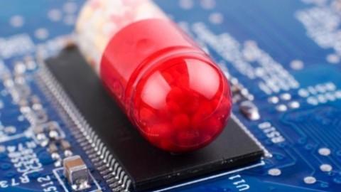 Micro-puces dans des médicaments : ils vont commencer à en insérer