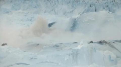 Ils ont filmé au Groenland, et ils ont réussi à prendre quelque chose de vraiment terrifiant…