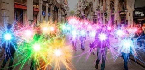 Soin collectif et gratuit à distance avec l'énergie des 12 Rayons Sacrés.