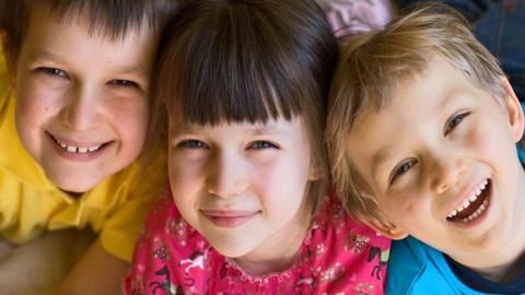 Selon la science, les aînés d'une fratrie seraient plus doués que leurs frères et soeurs