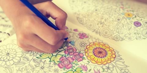 7 choses inattendues qui se produisent quand les adultes commencent le coloriage