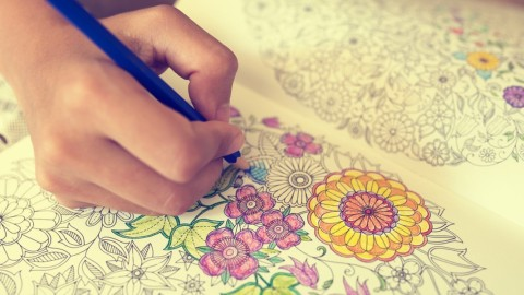 7 choses inattendues qui se produisent quand les adultes commencent le coloriage