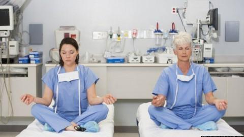 Une étude démontre les effets de la méditation, du yoga et de la prière sur le corps humain