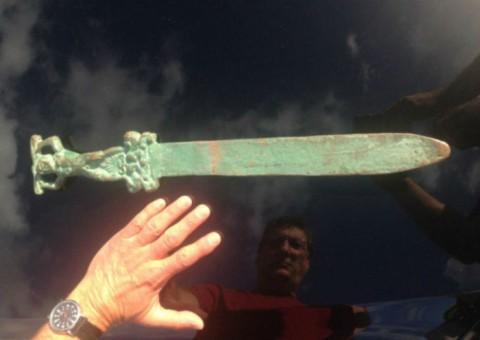 Christophe Colomb n'a pas découvert l'Amérique. Une épée romaine a été trouvée sur L'île aux Chênes