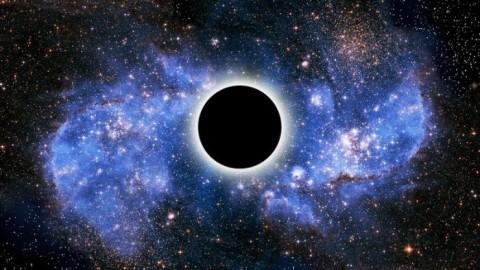 Un mystérieux objet sorti d'un trou noir vient d'être observé.