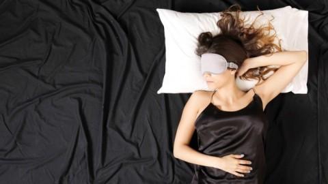 Une recherche déclare que les femmes ont besoin de plus de sommeil que les hommes car leur cerveau est plus complexe