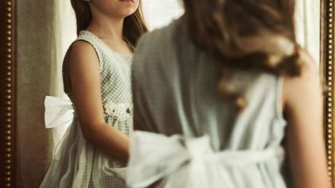 Une nouvelle recherche explique comment les parents créent des enfants narcissiques