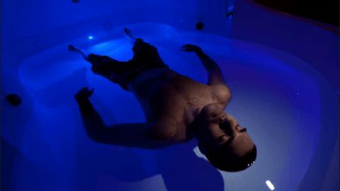 Joe Rogan–pourquoi vous devriez essayer le caisson de privation sensorielle