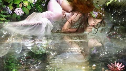 Les femmes fées : leur aura rayonne d'une douce couleur lavande.