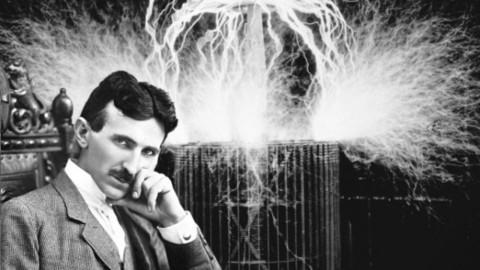 Voici pourquoi Nikola Tesla voulait qu'on étudie l'entité « non physique »