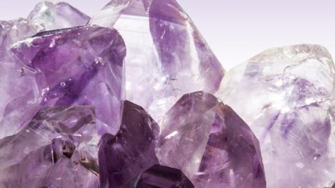 5 cristaux puissants qui aident à combattre l'anxiété