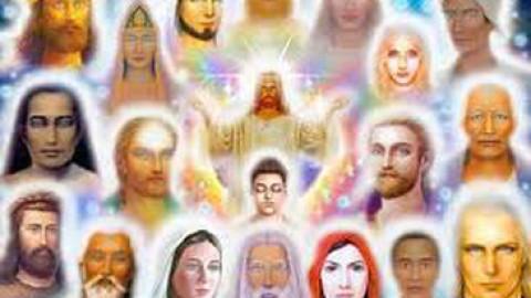 Les Initiations aux Rayons des Maîtres Ascensionnés pour accélérer votre éveil spirituel