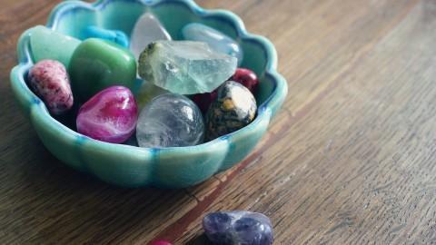 8 cristaux et pierres que tous les empathes devraient avoir chez eux