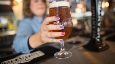 Une bière par jour aiderait à prévenir les accidents vasculaires cérébraux et les maladies cardiaques