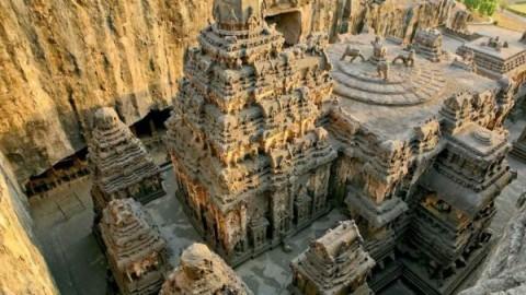 Les archéologues trouvent un temple époustouflant creusé dans une montagne! Sa technologie demeure encore un mystère …