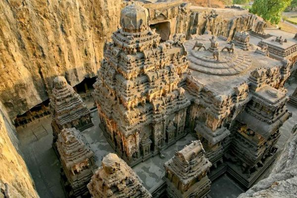 THIS-Temple-Was-Carved-Out-Of-A-Mountain-600x400.jpg