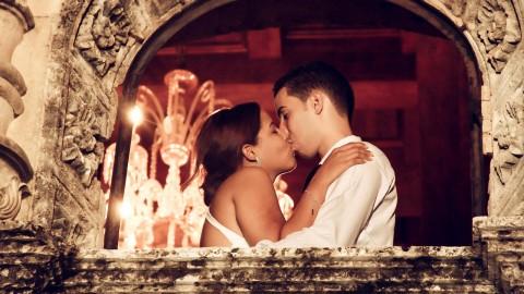 Découvrez pourquoi vous fermez les yeux lorsque vous embrassez votre partenaire