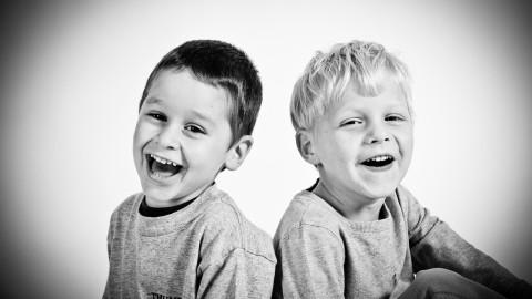 10 choses qui rendent les enfants plus heureux selon les scientifiques