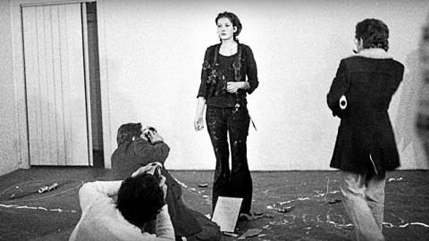 Cette célèbre artiste est restée débout pendant 6 heures et a laissé les gens faire ce qu'ils voulaient de son corps