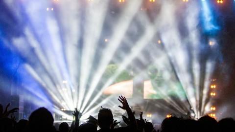 Selon une nouvelle étude, aller à des concerts régulièrement conduit à une vie plus heureuse