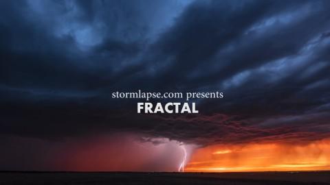 Découvrez un ravissant épisode d'orages supercellulaires en timelapse réalisé par Chad Cowan