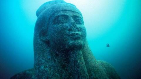 Des plongeurs ont découvert l'ancienne cité d'Héracléion au large de la baie d'Aboukir