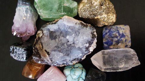 4 pierres utilisées en lithothérapie pour favoriser la gestion de la tension et du stress