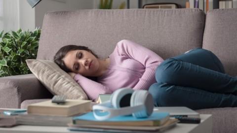 Les personnes qui font une sieste l'après-midi seraient plus performantes et en meilleure santé