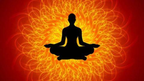 Trois outils simples pour vous aider à posséder, guérir et nettoyer votre chakra racine