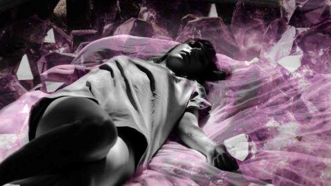 Améthyste, malachite et quartz rose : 3 pierres pour améliorer votre sommeil
