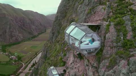 Passeriez-vous la nuit dans l'une de ces terrifiantes capsules?